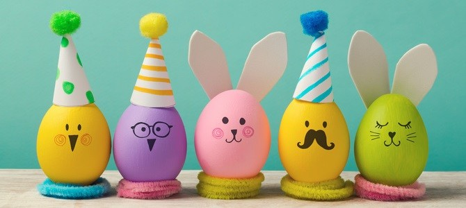 easter-holiday-concept-with-cute-handmade-eggs-bunny-chicks-and-party-hats-2